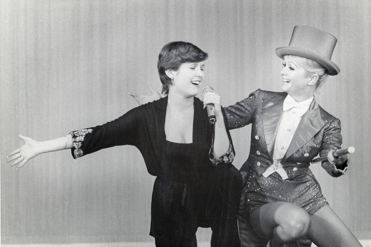 Carrie Fisher and Debbie Reynolds perform in archival footage from Bright Lights