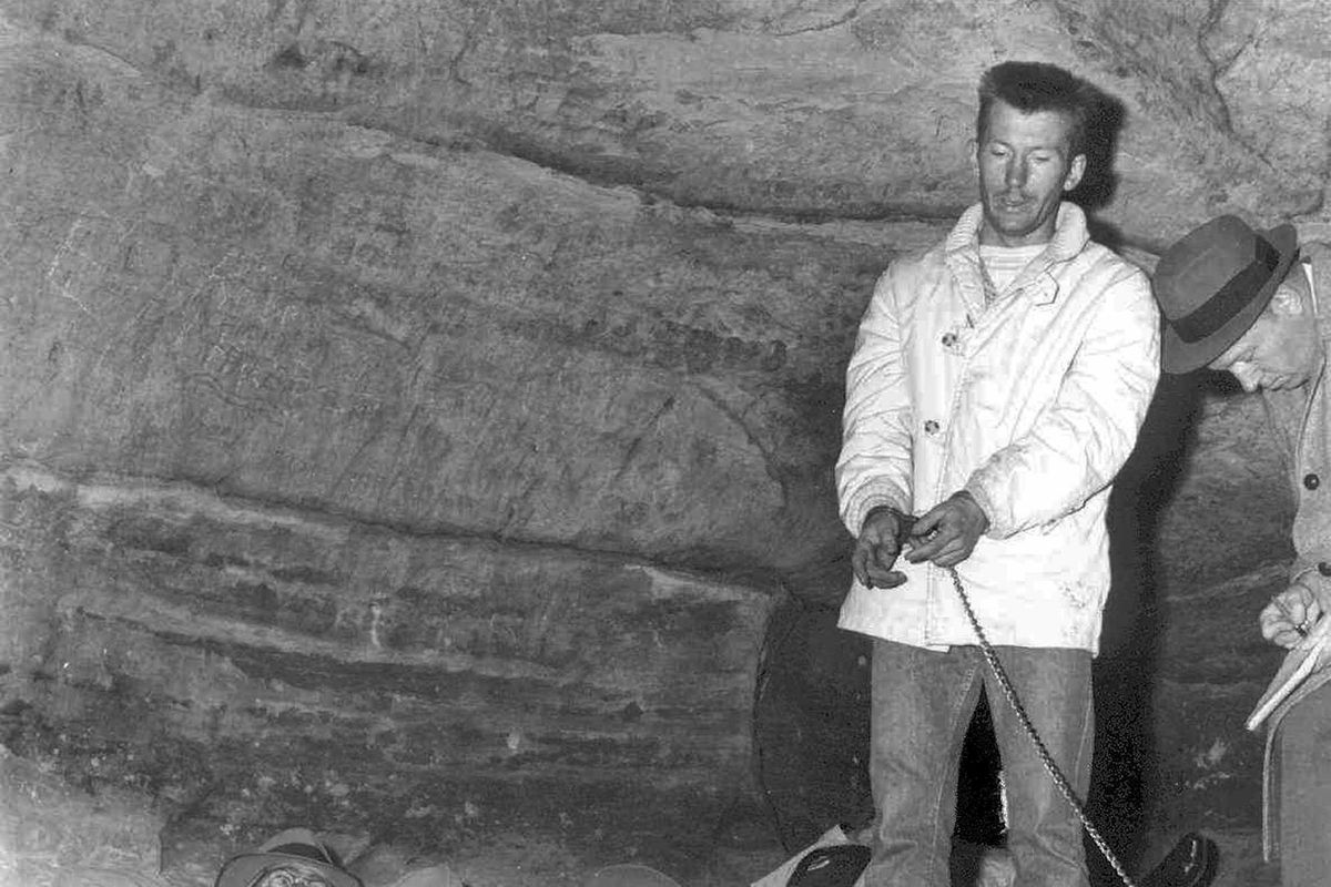 Chester Weger re-enacted the killings of three west suburban women in Starved Rock State Park on Nov. 17, 1960, the day he confessed. A LaSalle County jury sentenced him to life in prison for killing one of the women. He was paroled on Thursday.