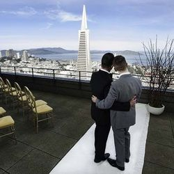 """The Ceremonial Deck on the 40th floor of the <strong>Mandarin Oriental San Francisco</strong> offers a clear shot of the Transamerica Pyramid. Many of the suites also offer panoramic, city views and private decks. [Photo via <a href=""""http://www.mandarinor"""