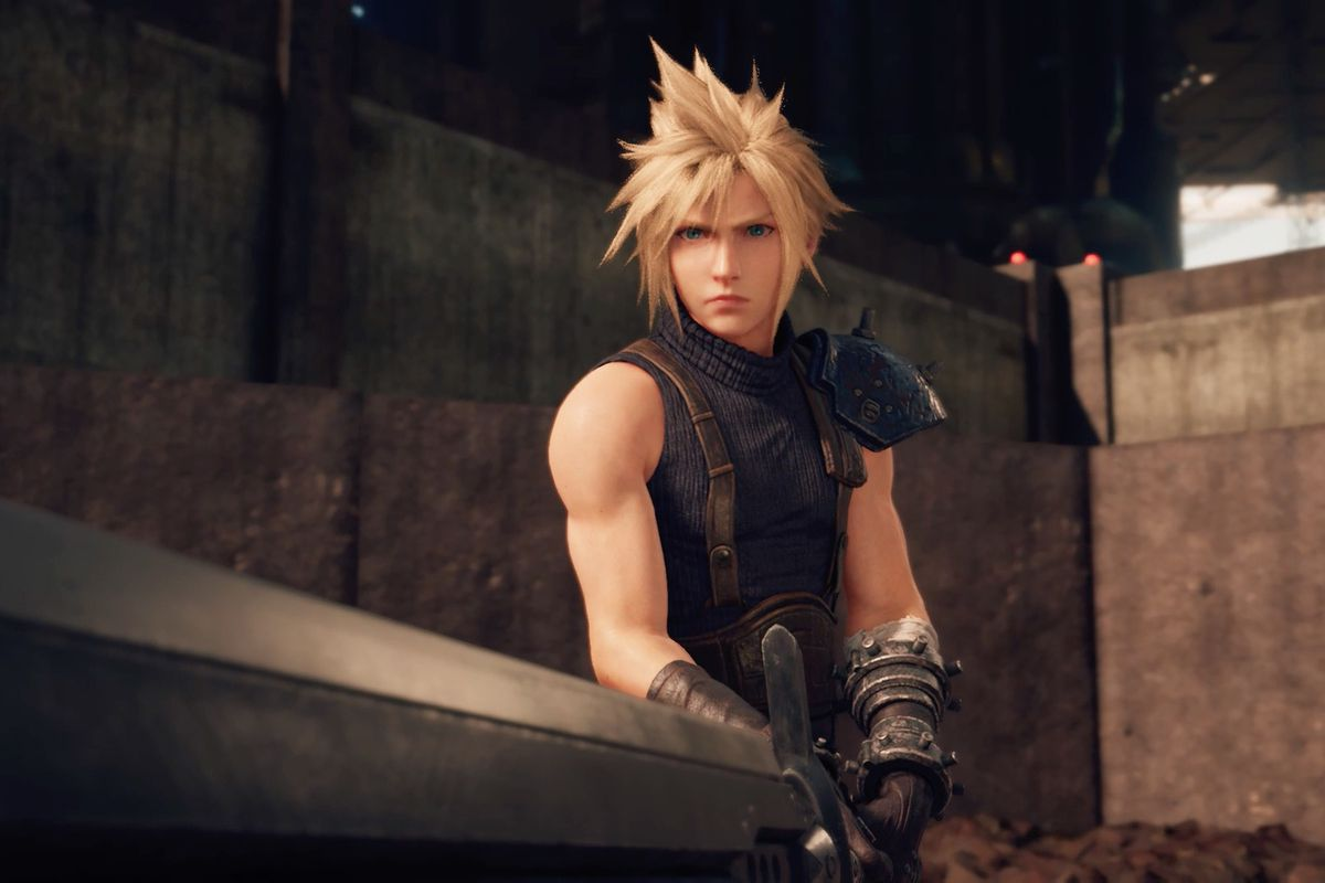 Cloud holds a sword in Final Fantasy 7 Remake