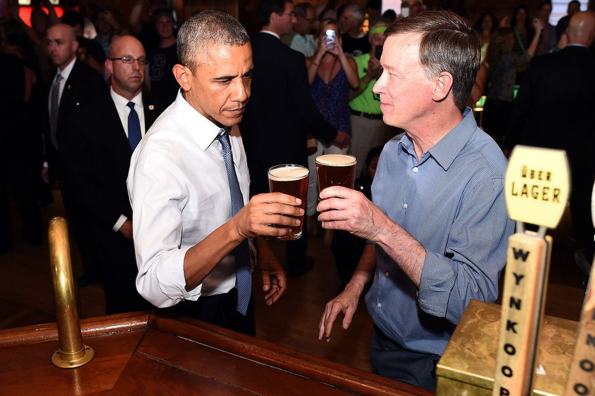 Governor Hickenlooper sharing a beer with President Obama