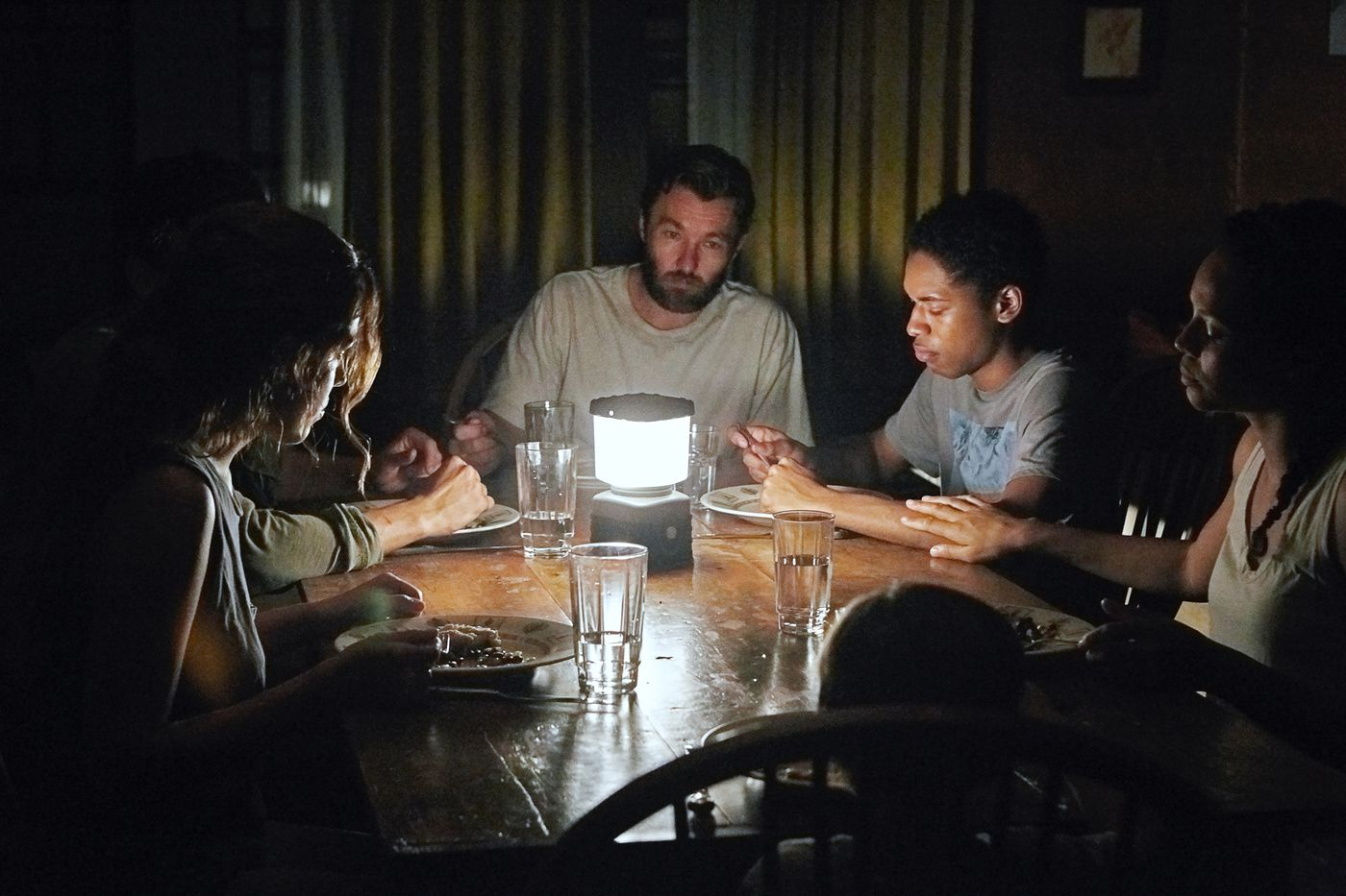 It Comes At Night review: a moody horror film where humanity is the monster  - The Verge