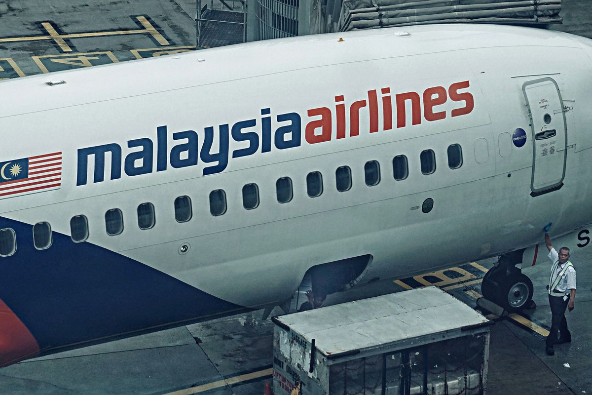 malaysia airlines will be first to use new satellite based