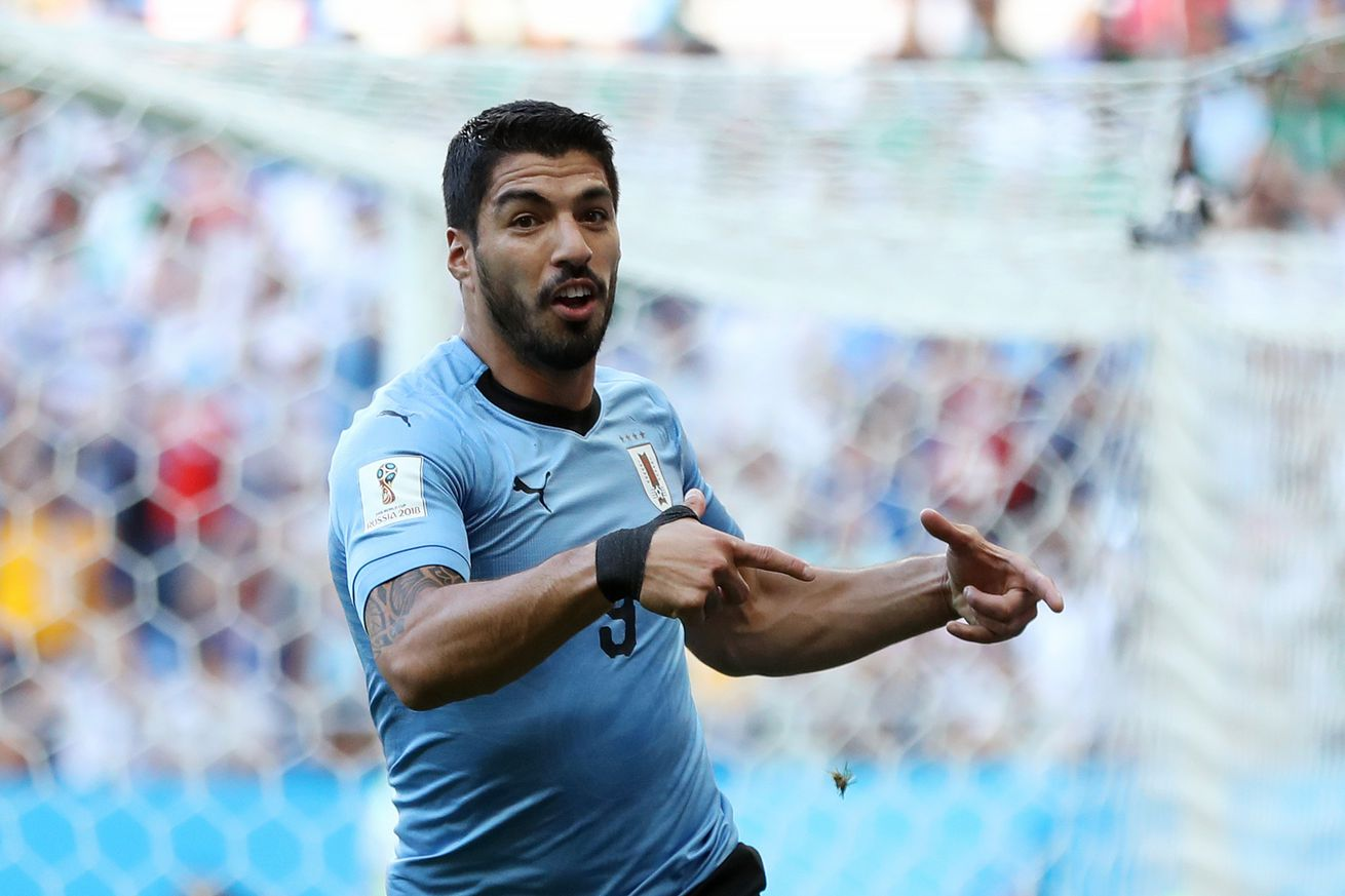 Suarez scores on 100th Uruguay outing and sets new World Cup record