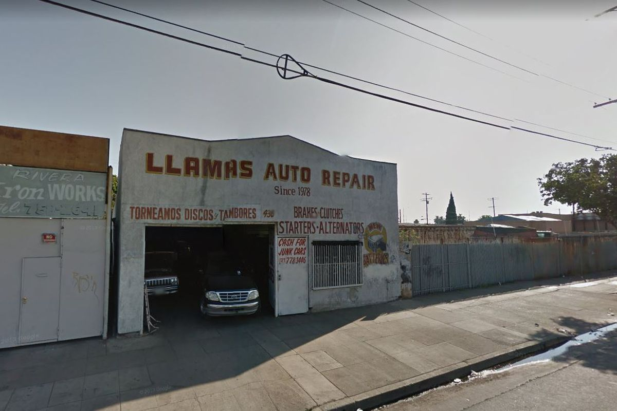 Street view of auto shop