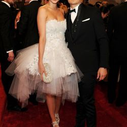 Miranda Kerr in Marchesa with Orlando Bloom