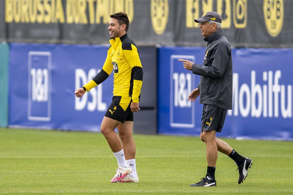 Soccer: Bundesliga, training by Borussia Dortmund