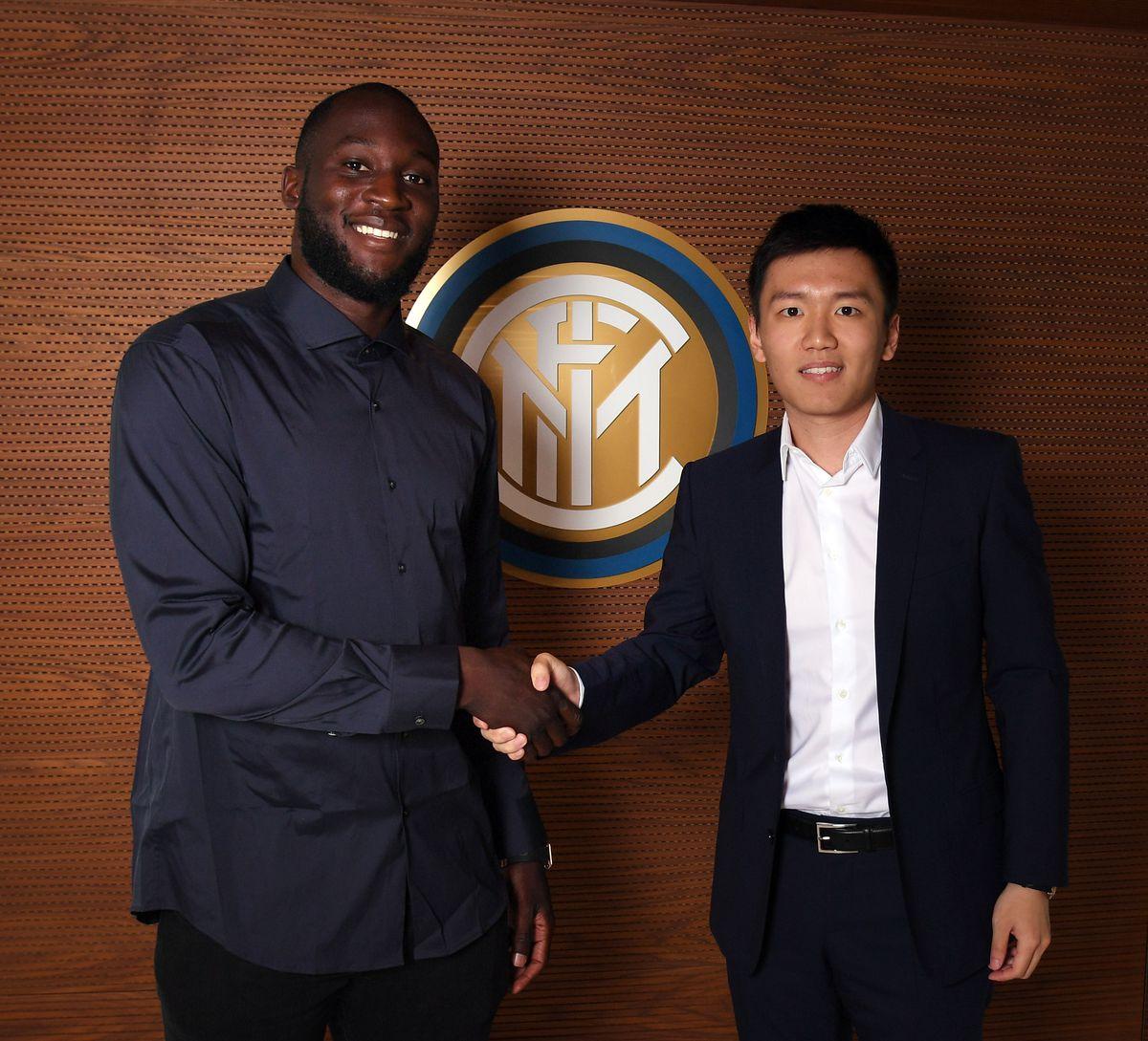 FC Internazionale Unveils New Signing Romelu Lukaku