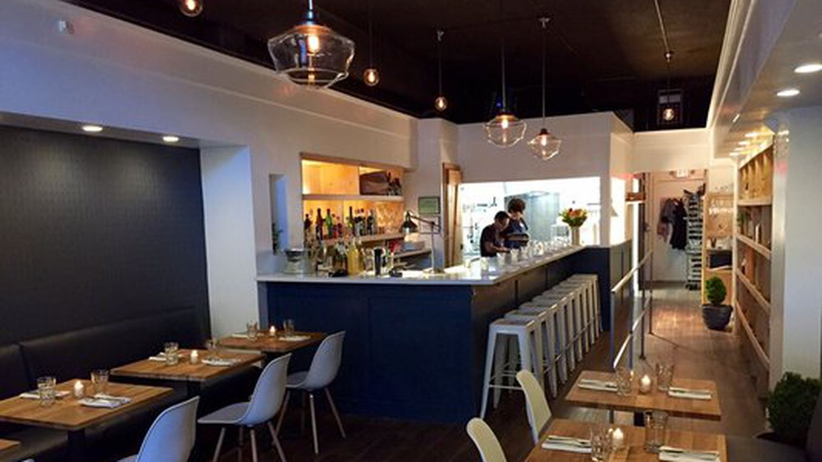 Entre amis french bistro now open in queen anne eater for Menu souper entre amis