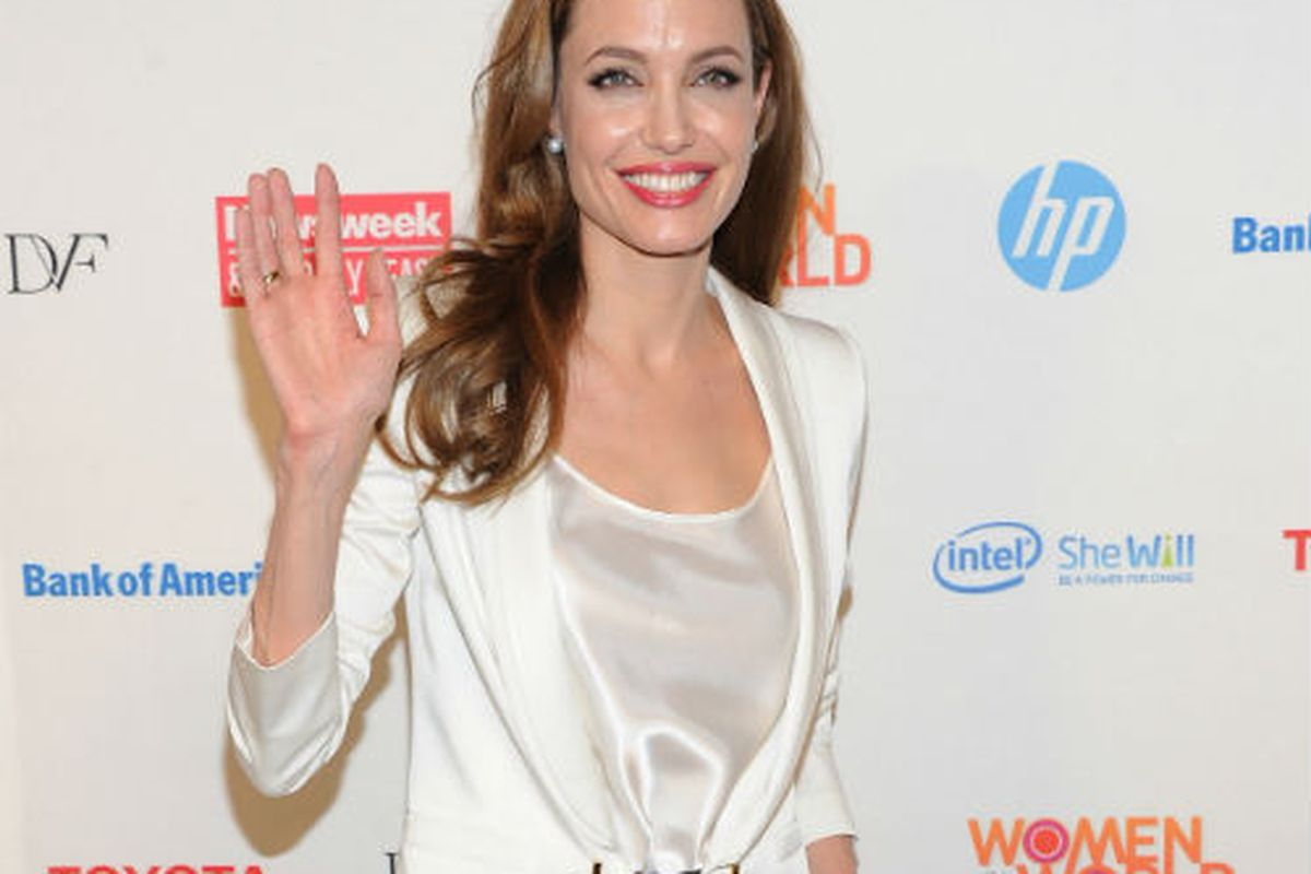 Angelia Jolie: Bride to be. Image via Getty