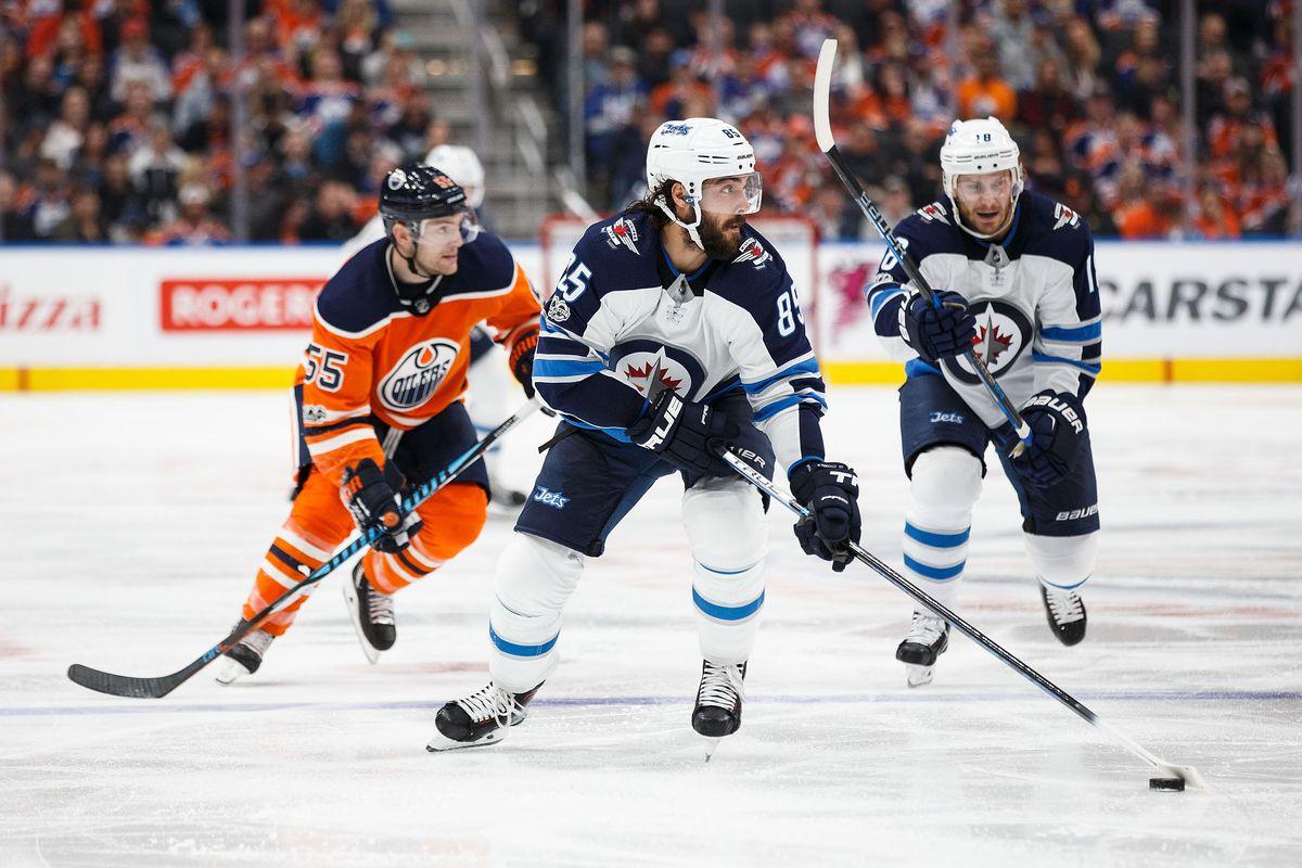 Winnipeg Jets v Edmonton Oilers