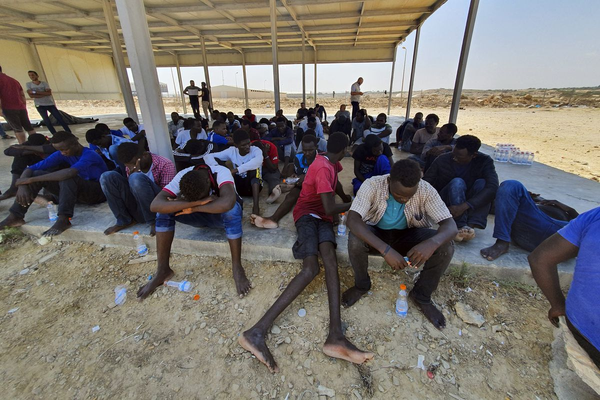 40 migrants feared drowned in capsizing off Libya, UN says