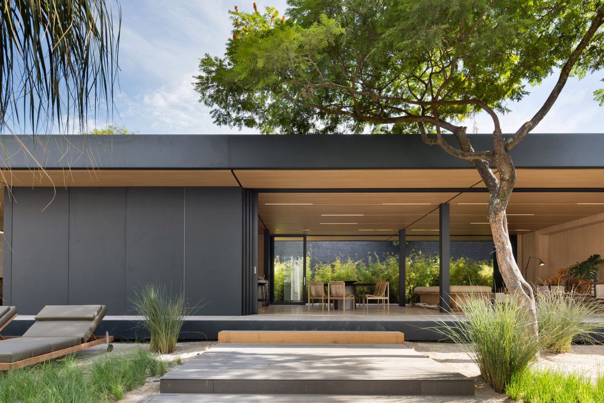 Prefab Home Was Constructed In A Month Curbed