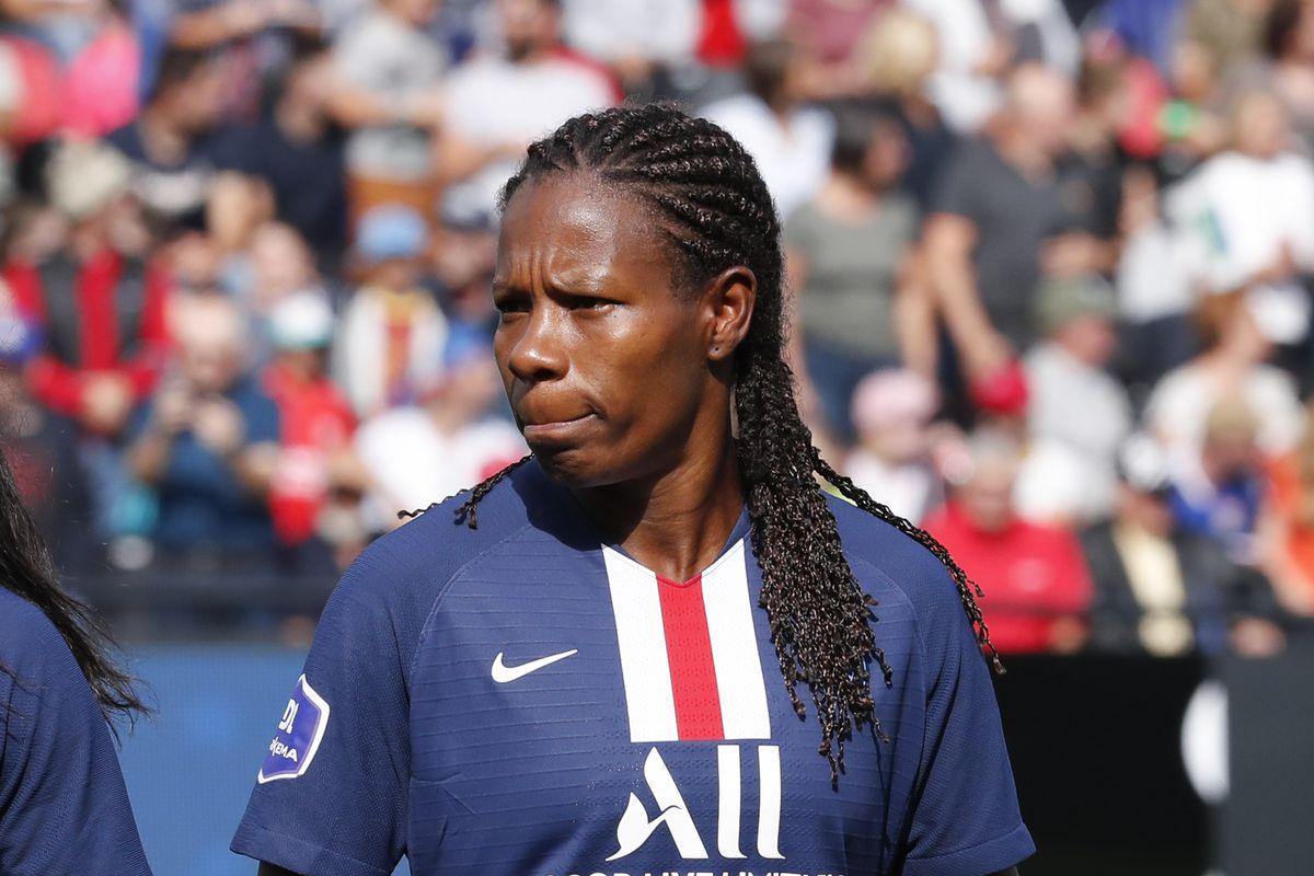 Olympique Lyonnais vs Paris Saint-Germain - Trophee des Championnes