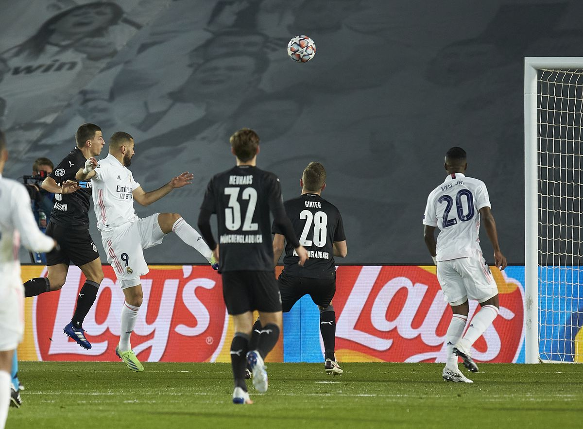 Real Madrid v Borussia Moenchengladbach: Group B - UEFA Champions League