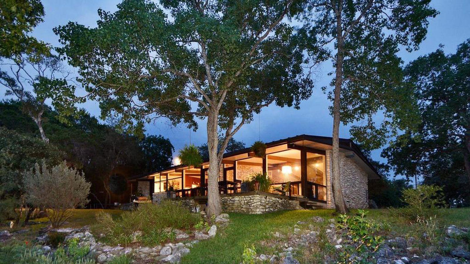 Gorgeous Midcentury Modern On West Lake Hilltop Asks 1