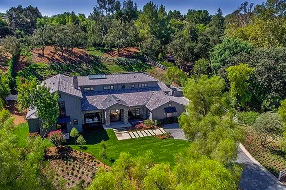 Kris Jenner Buys Hidden Hills Mansion Across From Kim And Kanye