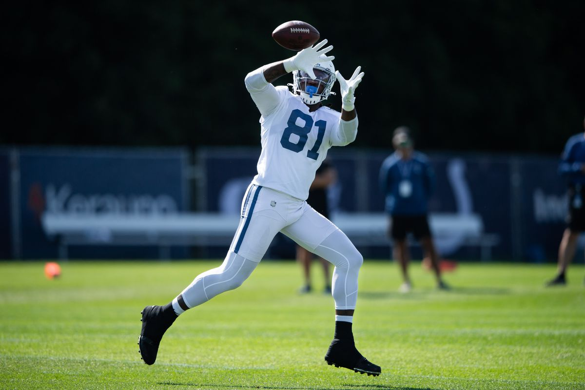 Indianapolis Colts tight end Mo Alie-Cox (81) runs through a drill during the Indianapolis Colts training camp practice on August 2, 2021 at Grand Park Sports Complex in Westfield, IN.