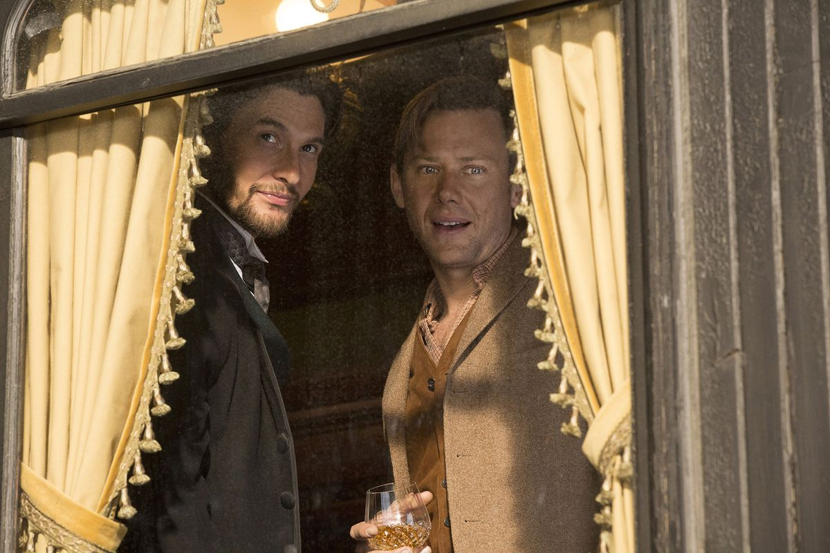 Jimmi Simpson and Ben Barnes in Westworld