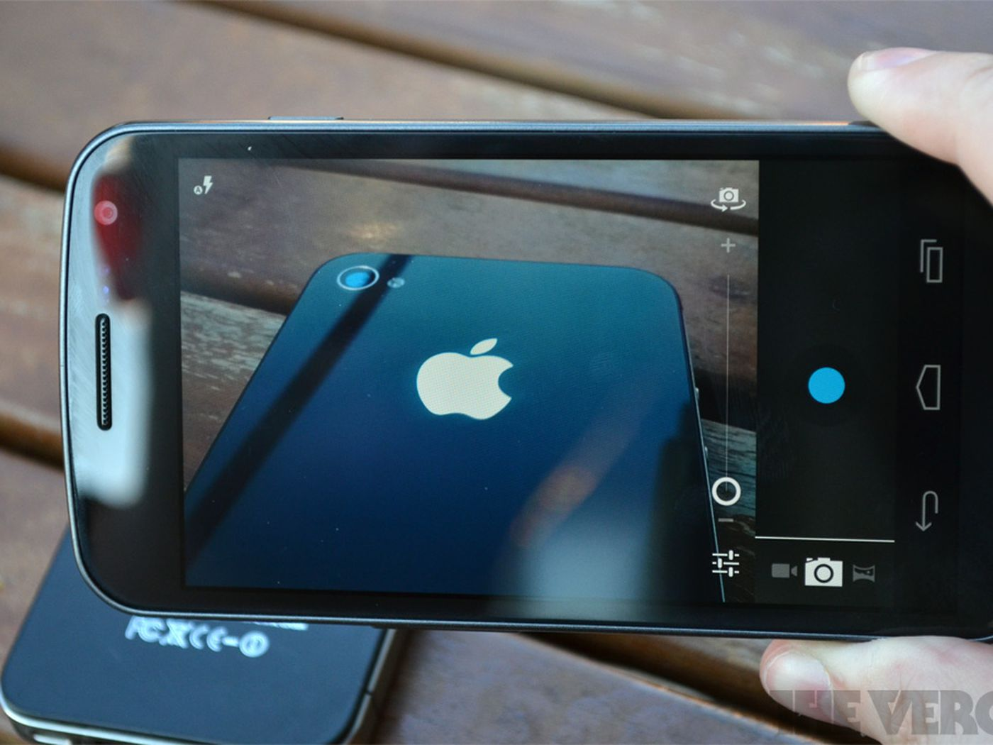 Apple Sues Samsung A Complete Lawsuit Analysis The Verge