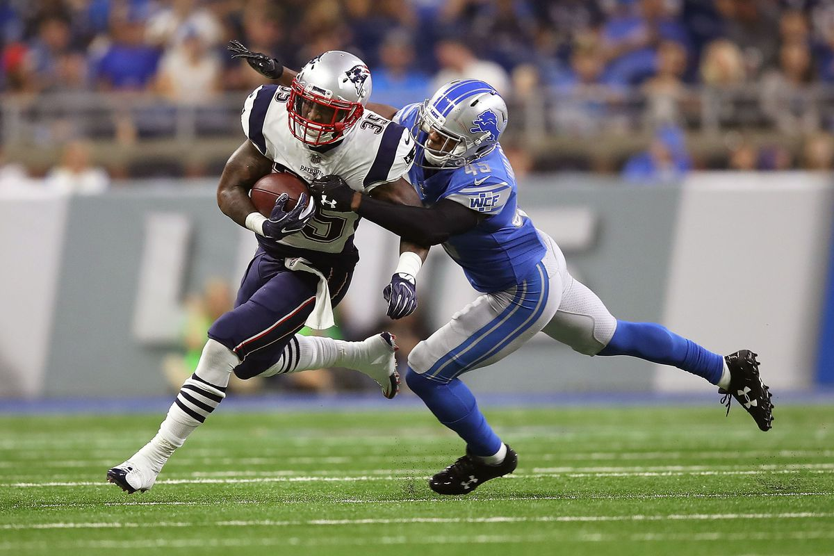 Mike Gillislee runs the ball during a game for the New England Patriots