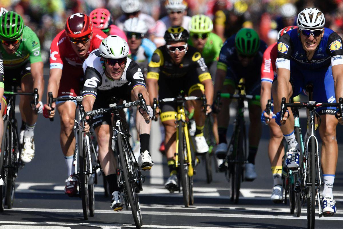 Cavendish Wins Tour Stage 6