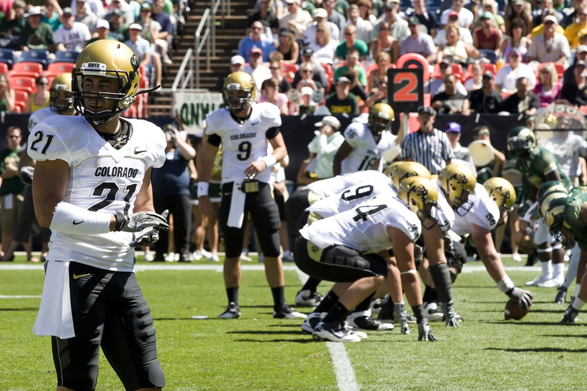 The Colorado Buffaloes look for the call against the Colorado State Rams. (Ralphie Report Photo/Ryan Tompkins)