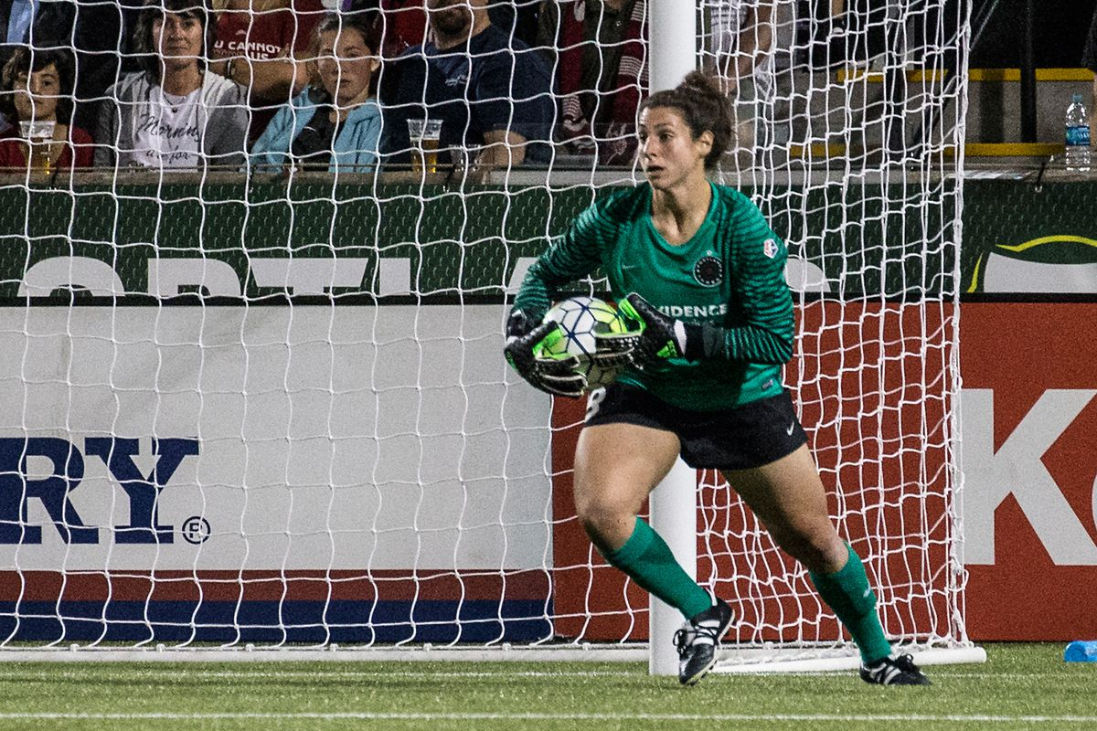 Michelle Betos came up big in her return to the Thorns' lineup