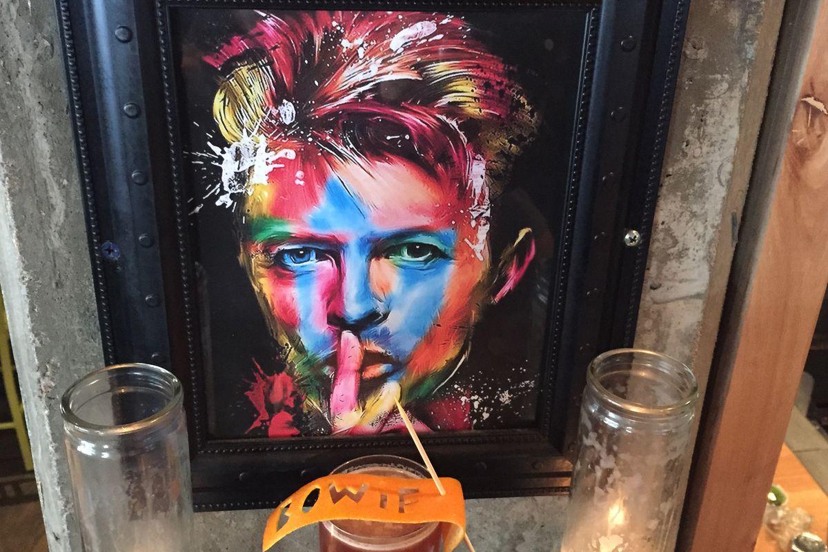 David Bowie Shrine, Golden Years cocktail