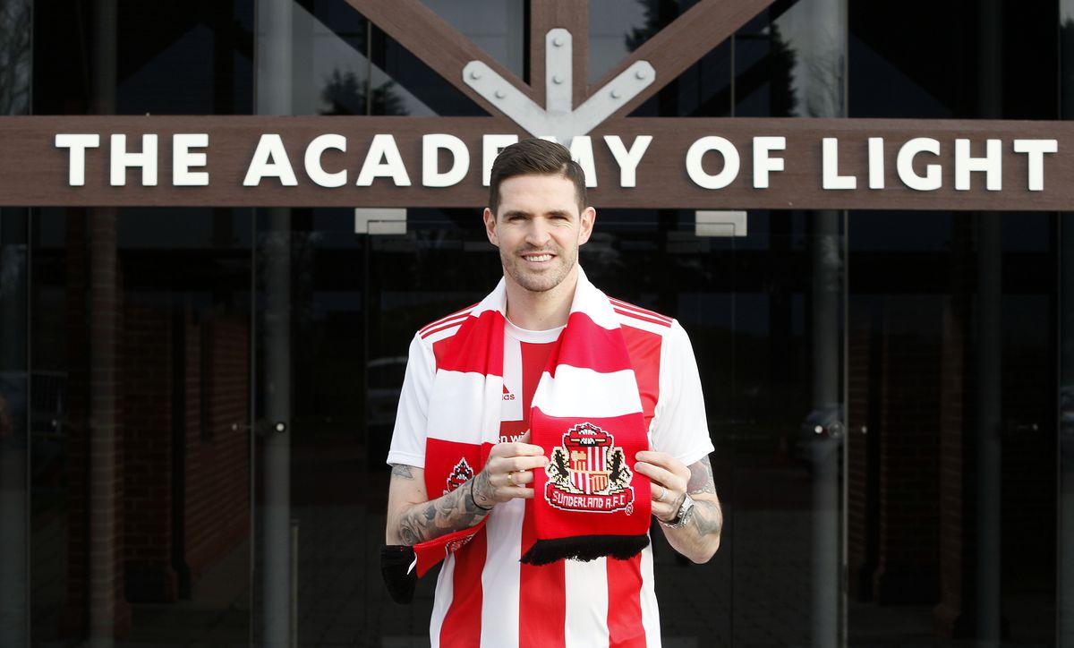 Sunderland Unveil New Signing Kyle Lafferty