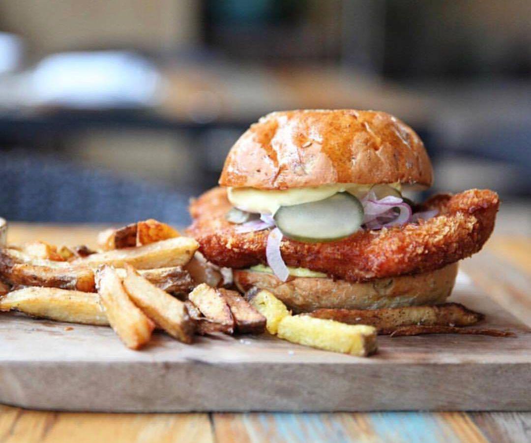Fixe's fried chicken sandwich