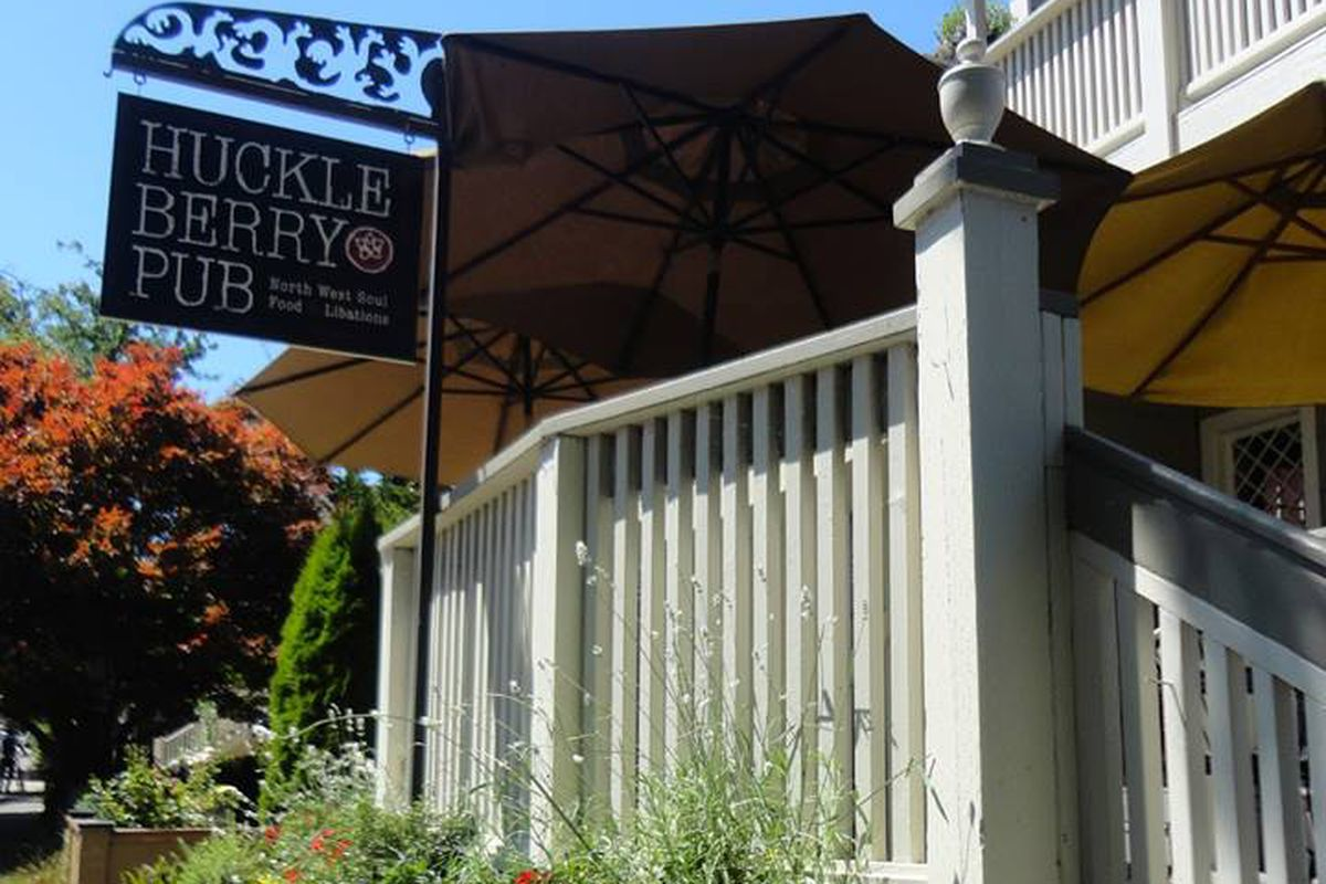 The Huckleberry Pub will soon become The Peddler & Pen Tavern