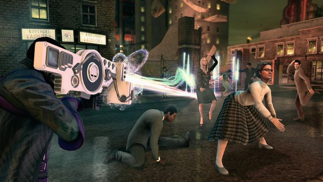 A man in Saints Row 4 shoots a dubstep gun as his victims dance on the street.