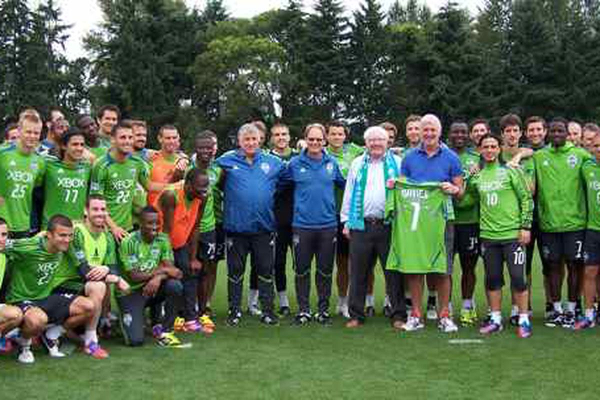 Sounders with Roger Davies and Alan Hinton - photo courtesy of Frank MacDonald