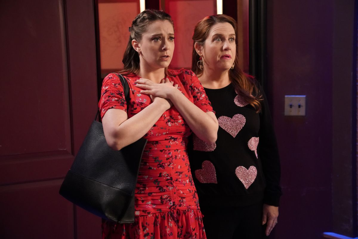 Pictured (L-R): Rachel Bloom as Rebecca and Donna Lynne Champlin as Paula