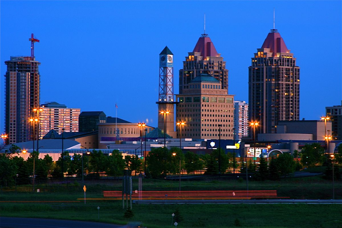 """Photo By:  Nick de Guzman via <a href=""""http://commons.wikimedia.org/wiki/File:Downtown_Mississauga.jpg"""">Wikimedia Commons</a>, Creative Commons License."""