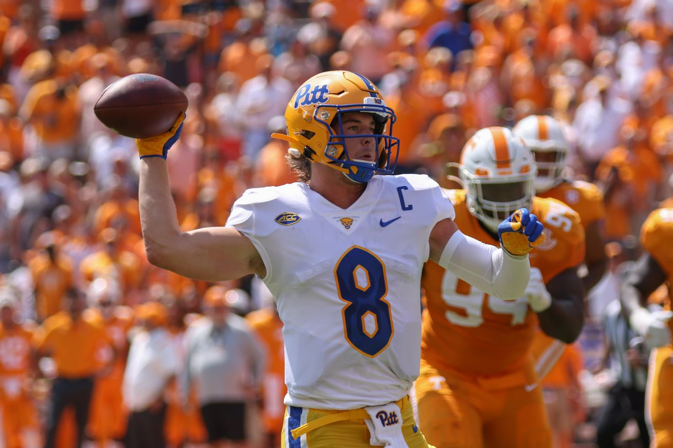 NCAA Football: Pittsburgh at Tennessee