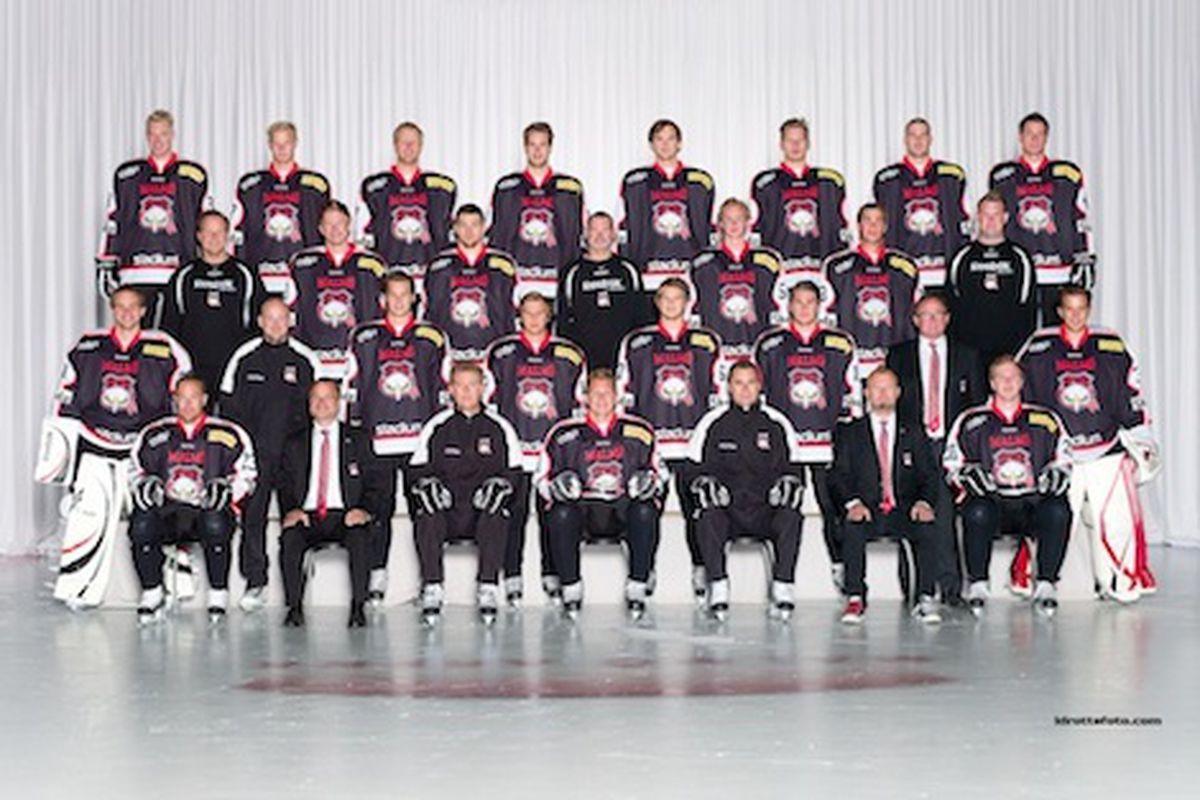 """Hi, do you know us...?"" (Photo courtesy of the Malmo Redhawks hockey club)"