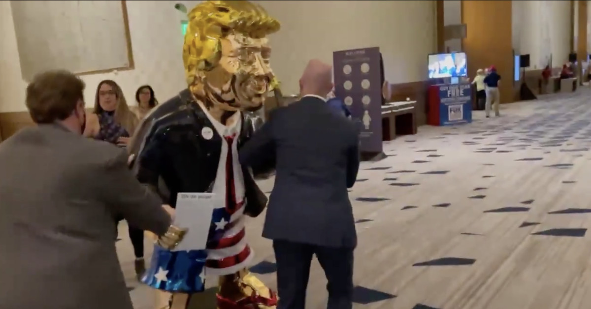 Current Status: This golden statue of Trump at CPAC is a perfect metaphor for the state of the GOP