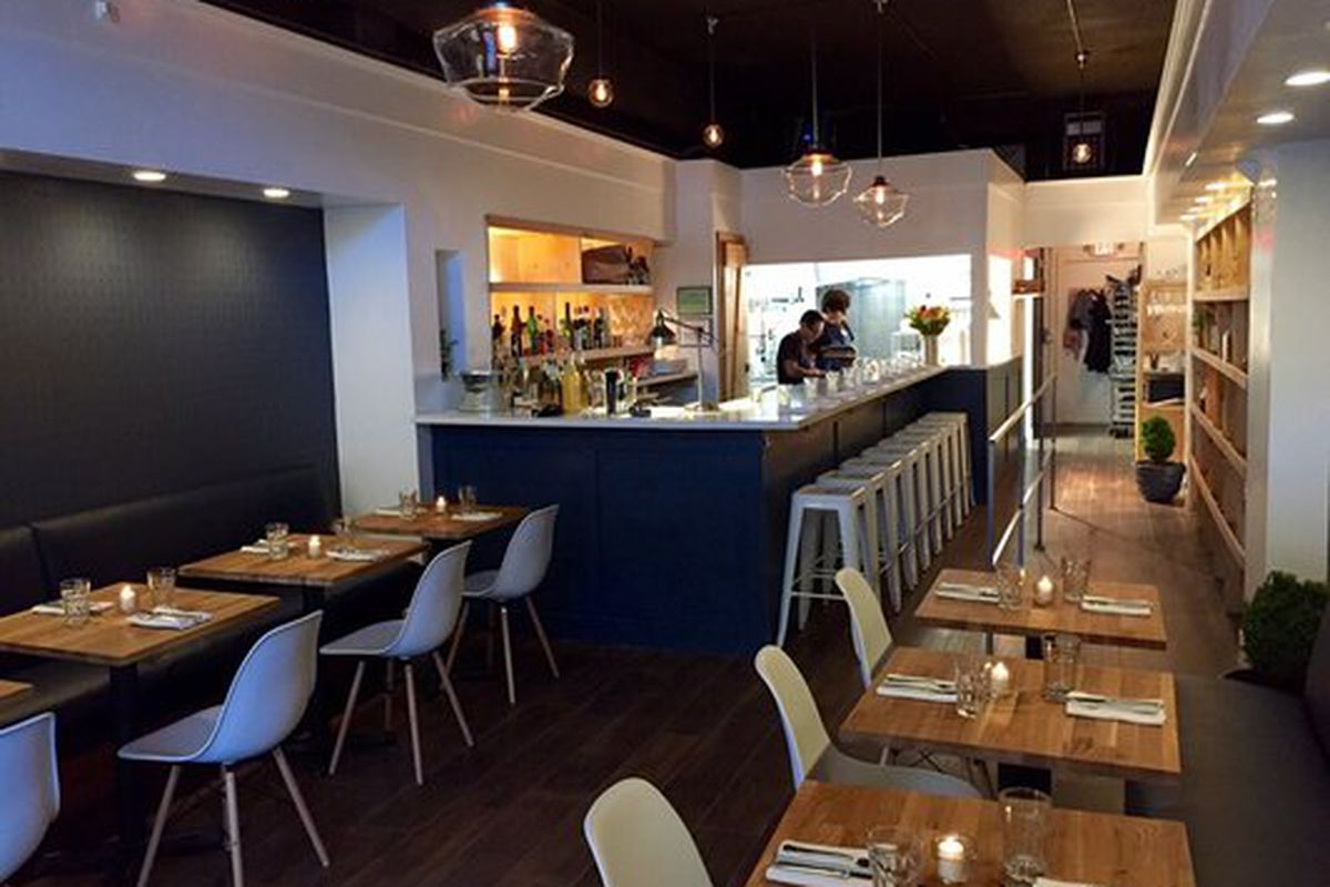 Entre amis french bistro now open in queen anne eater for Menu entre amis