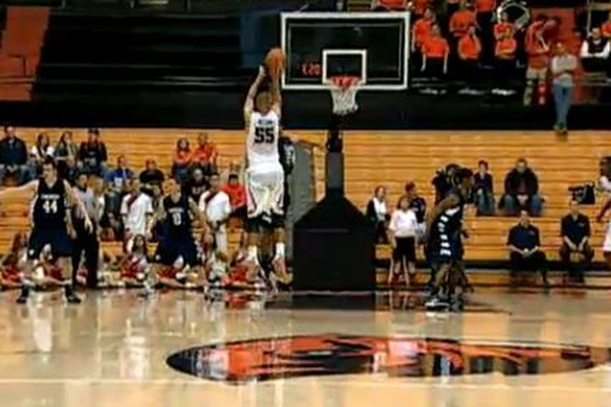 Roberto Nelson tied the game at halftime, and led Oregon St. to a 10 point win over Concordia, with a 36 point night.