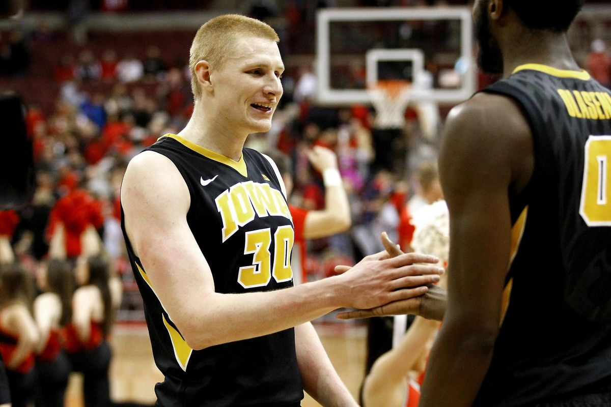 Aaron White and the Hawkeyes hope to sweep the season series against the Buckeyes