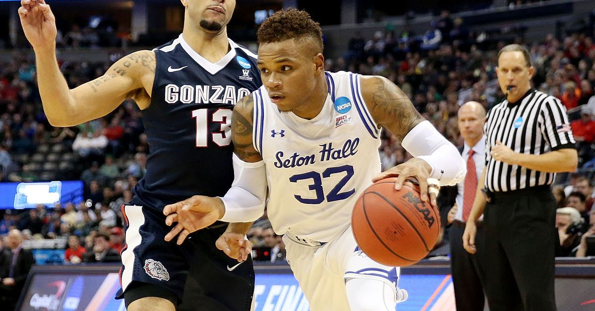 30 Moments of Pride: Derrick Gordon is first person to play in March Madness with 3 teams