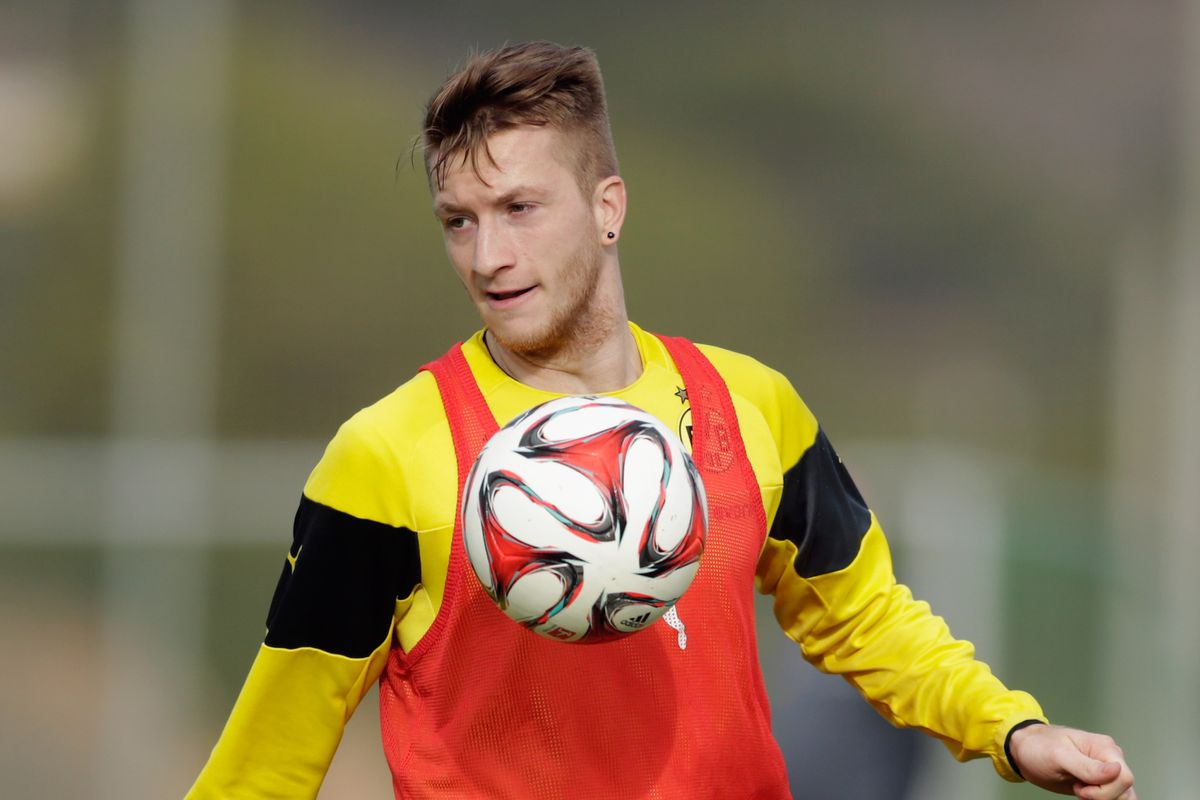 Marco Reus reenacts that scene from Alien with a football