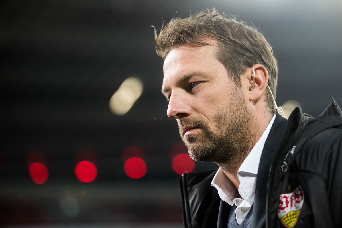 Bayer Leverkusen - VfB Stuttgart 23 November 2018, North Rhine-Westphalia, Leverkusen: Soccer: Bundesliga, Bayer Leverkusen - VfB Stuttgart, 12th matchday in the BayArena. Stuttgart coach Markus Weinzierl before the game. Photo: Rolf Vennenbernd/dpa - IMPORTANT NOTE: In accordance with the requirements of the DFL Deutsche Fußball Liga or the DFB Deutscher Fußball-Bund, it is prohibited to use or have used photographs taken in the stadium and/or the match in the form of sequence images and/or video-like photo sequences.