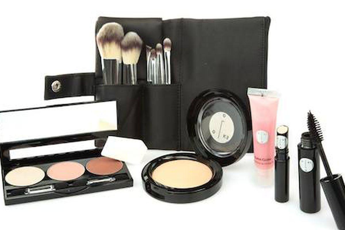 Photo: LOOKS Cosmetics