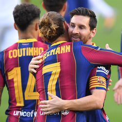 Messi and Griezmann share a moment