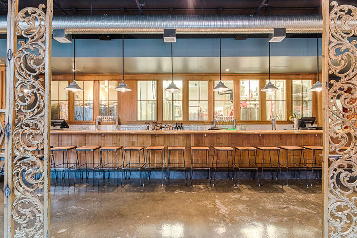 """<a href=""""http://dc.eater.com/archives/2013/12/11/panda-murals-wacky-bathrooms-at-right-proper.php"""">Right Proper Brewing Company, DC</a>"""
