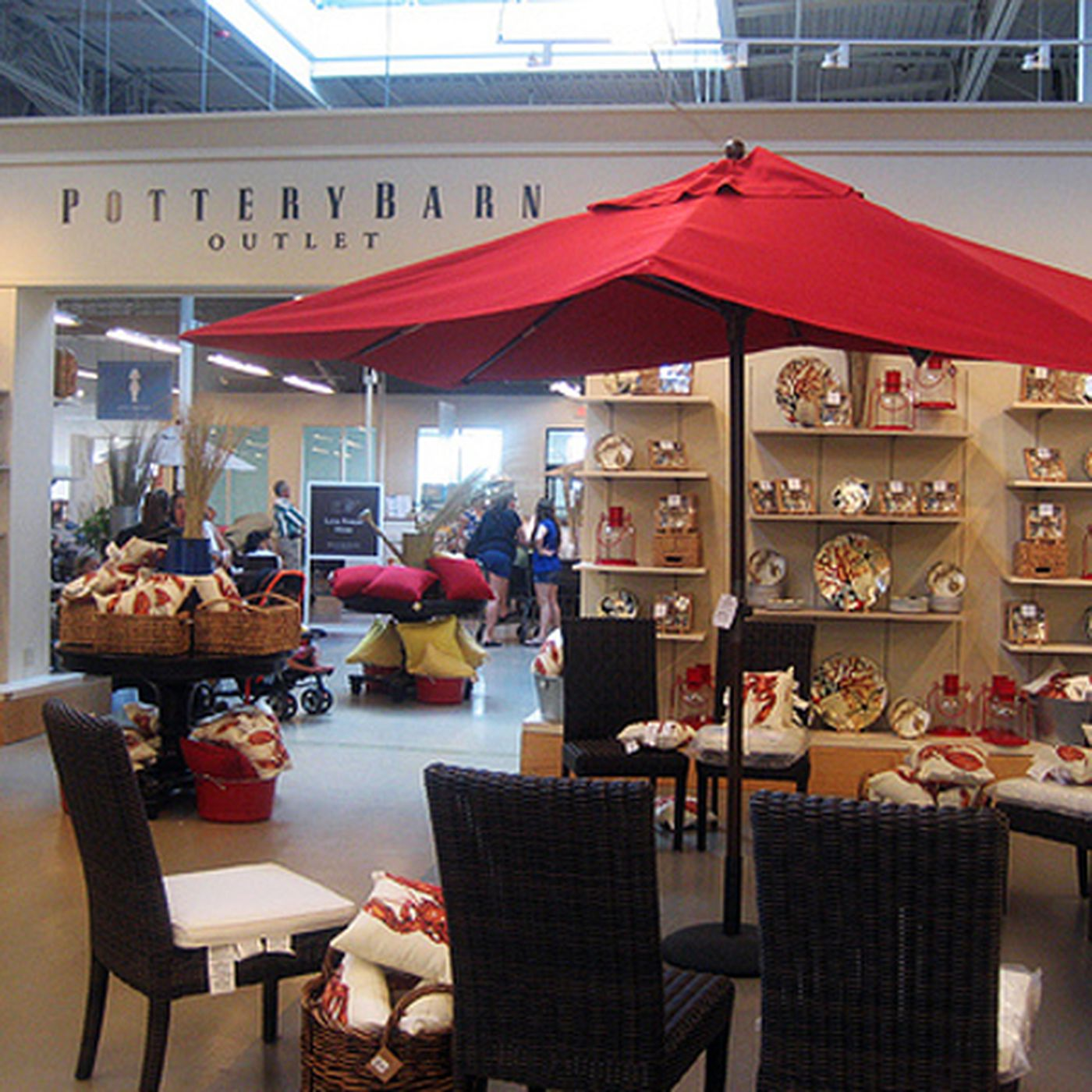 Pottery Barn Outlet Headed
