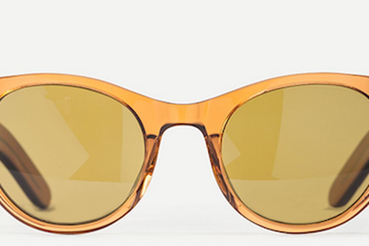 "The women's <a href=""http://www.stevenalanoptical.com/207ws/womens-thayer-burnt-sienna"">Thayer</a> glasses"